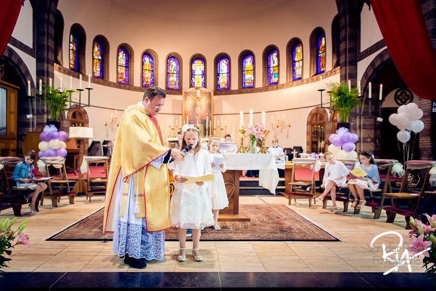 Voorlezen communie Sint Willibrorduskerk Waalre