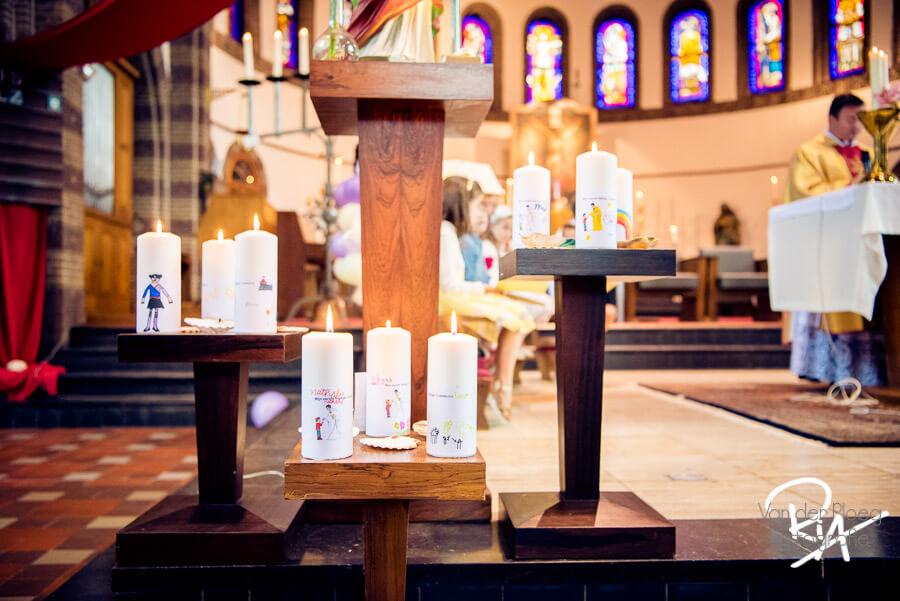 brandende kaarsen katholieke kerk