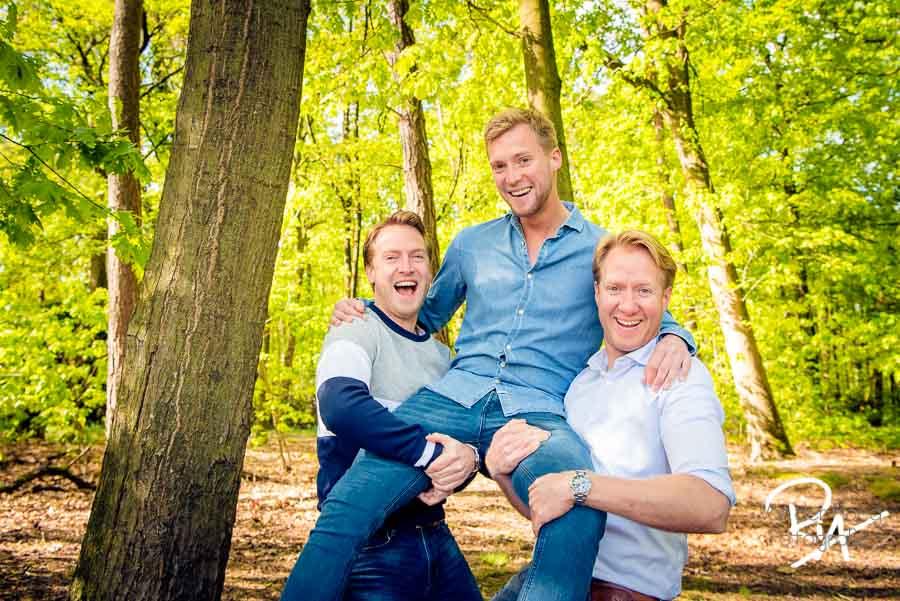 familiefotografie broers buiten natuur fotograaf Waalre