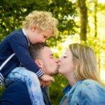 speelse gezinsfotografie waalre fotografie gezin