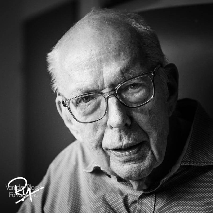 Portret oude man fotograaf Ria Ploeg Waalre