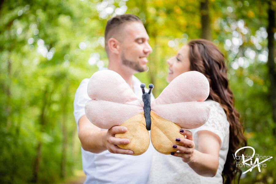 Fotografie zwanger buiten knuffel- eldhoven Eindhoven