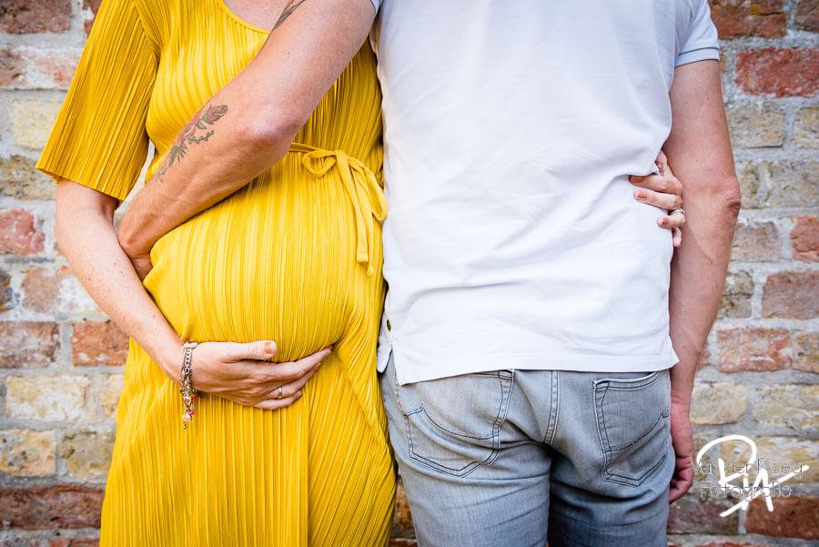 Zwangerschapsfotosessie creatief speels brabant Eindhoven