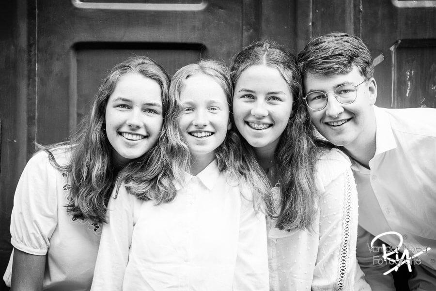fotografie kinderen fotograaf Veldhoven zwart wit