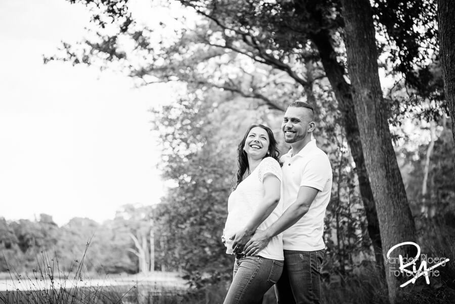 zwart wit fotografie natuur zwangerschapsfotograaf