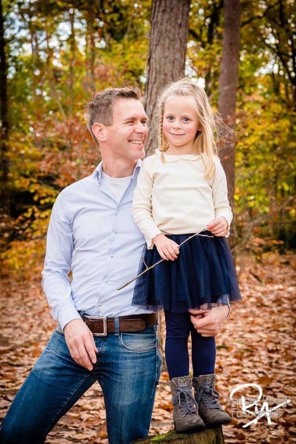 fotografie vader dochter buiten natuur fotosessie fotograaf Waalre Valkenswaard