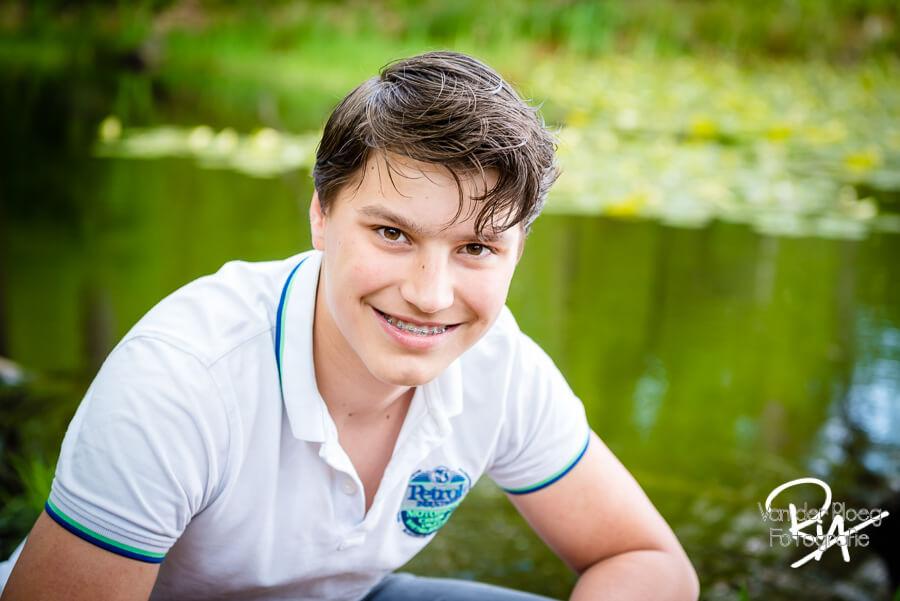 Fotograaf puber jongen gezin Eindhoven kinderfotograaf